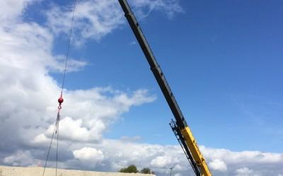2015-04-15 Crane lifting inner pit form Bay 16