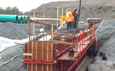 2015-04-24 First Pit wall Pour Bay 16